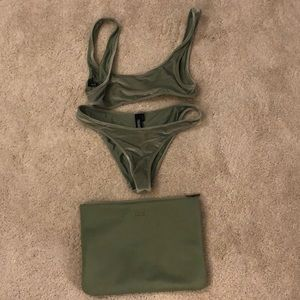 Triangl Aimee L bikini top and M bikini bottom